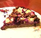 Hartige taart rodekool met geitenkaas